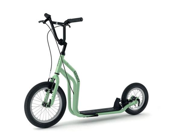scooter-run-run-city-green